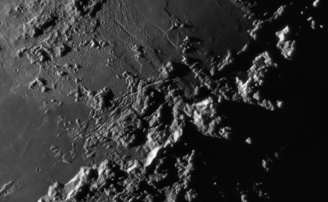 MoonCrater2015-08-07